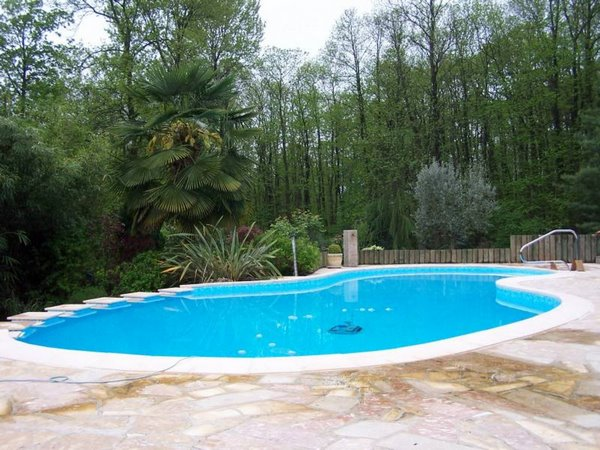 Revetement piscine beton cheap revetement piscine beton - Revetement de piscine resine colombes ...